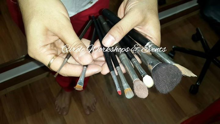 Abhijit picks some basic make up brushes for your kit