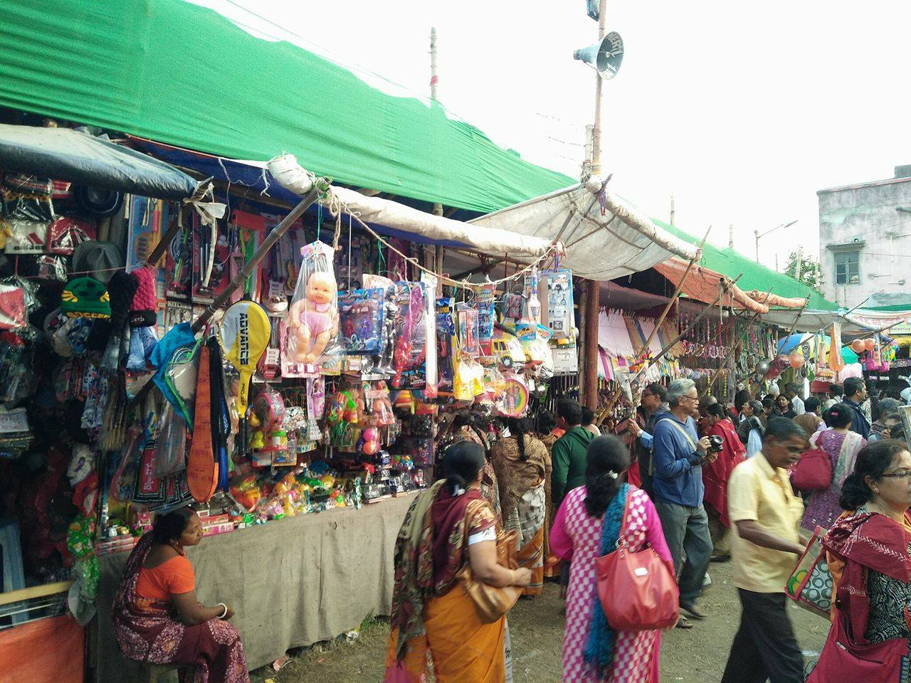 Mela – The Great Bengali Flea Market : A Photo Story
